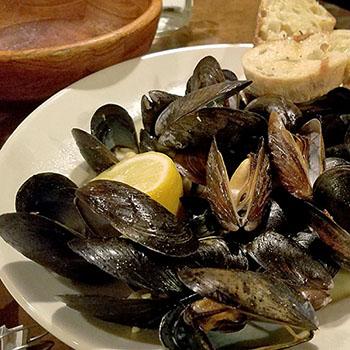 muscles-from-goodfells-restaurant-in-danville-vt