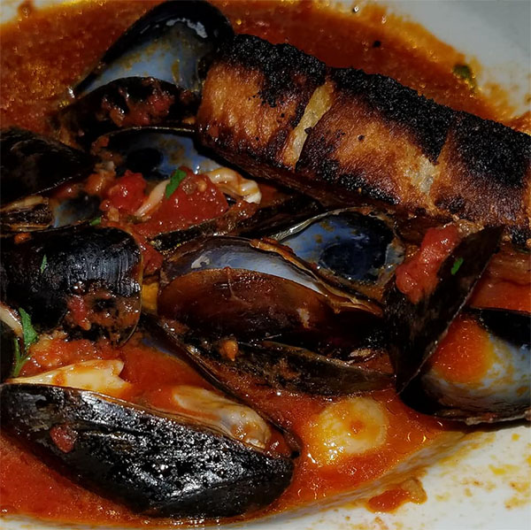 mussels in tomato sauce from Lago's restaurant in Newport, VT