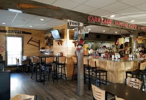 bar-at-carriage-house-restaurant-in-Orleans-Vt