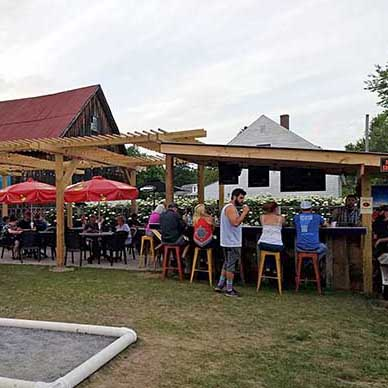 East Burke VT restaurants with outdoor dining