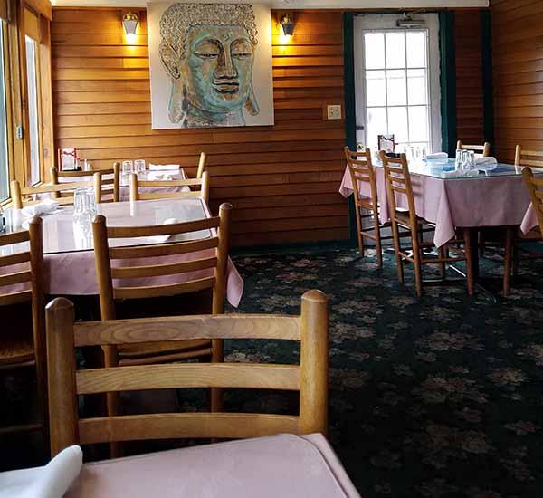 dining room Kham's Thai restaurant St Johnsbury