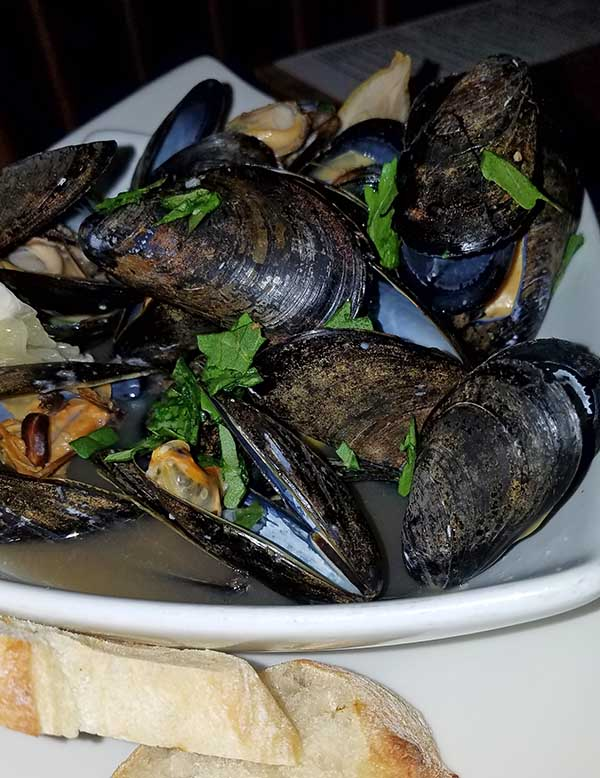 mussels, seafood dish from lyndonville vt restaurant Juniper's at the Wildflower Inn